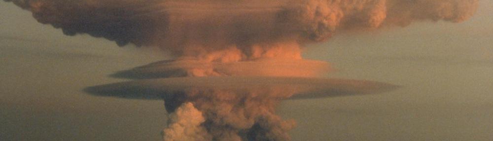 Mount Redoubt Eruption R. Clucas/ Public domain